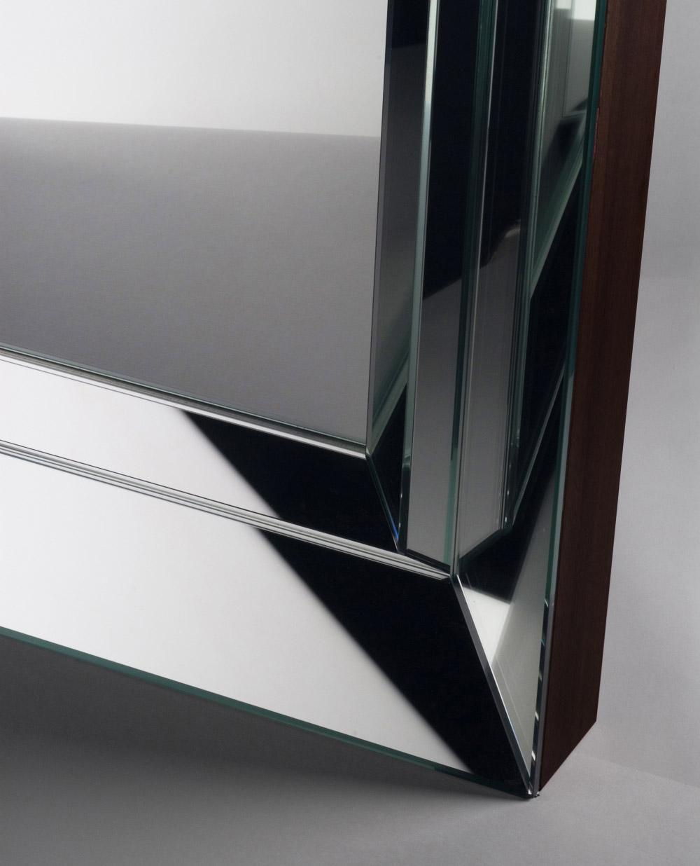 Custom interior design luxury home decor miroir facette close up