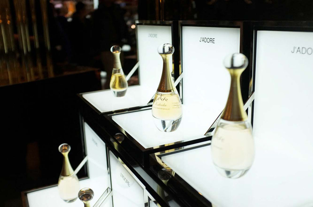 Interior Design for Dior beauty store perfume display j'adore