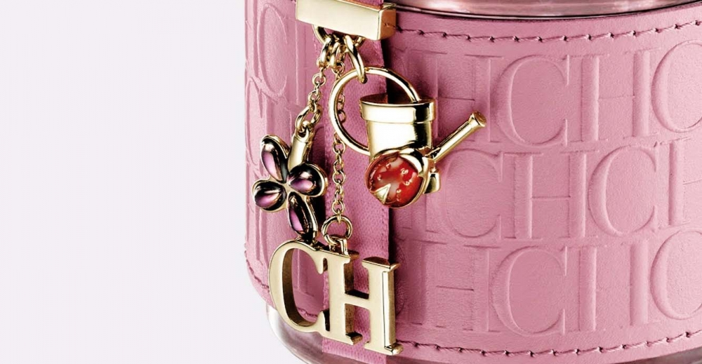 Product Package Design for Carolina Herrera CH Garden Party woman bottle charm close up
